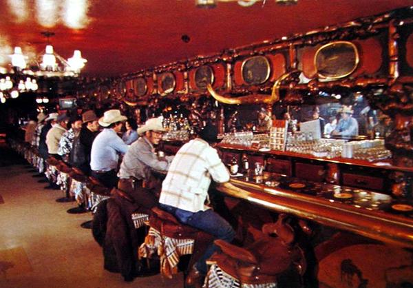 Jackson Million Dollar Cowboy Bar Wyoming Tales And Trails